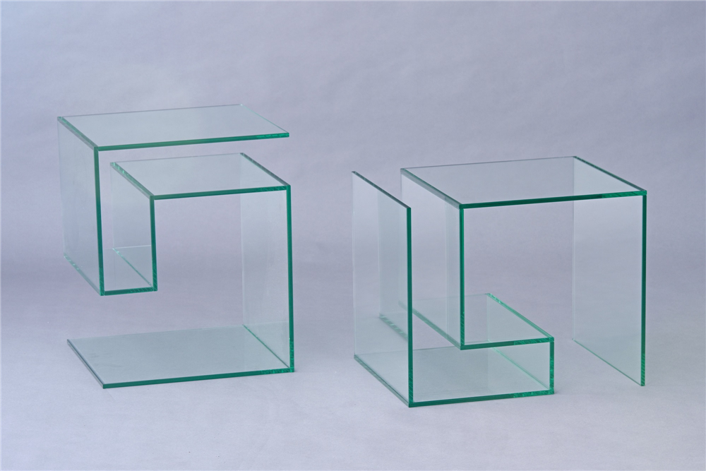 Katalog glasvitrinen glasm bel for Beistelltisch c form